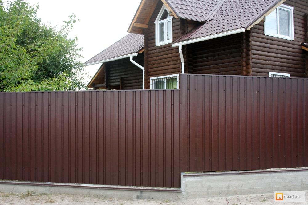 Забор из профнастила с двухсторонним полимерным покрытием RAL 3005 6005 8017 на 2-х, 3-х и 4-х металлических лагах: Столбы 60*60*2 в Москве и области