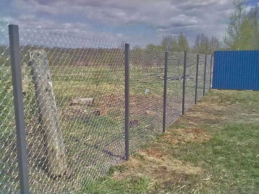 Забор из сетки-рабица. (без протяжек), оцинкованная проволока толщиной 1,6 мм в Москве и области